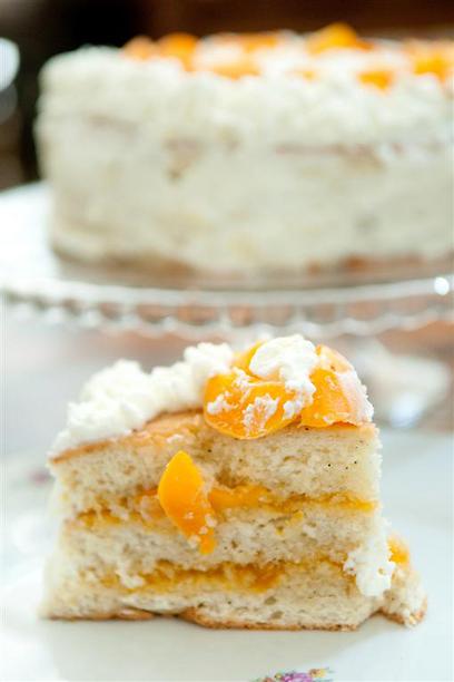 אפילו באזעקה לא עוזבים את העוגה הזו. טורט קיצי (צילום: ירון ברנר)
