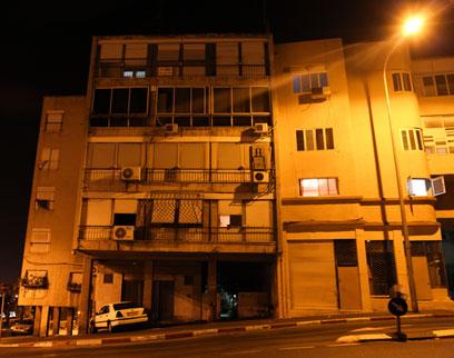 הבניין שבו התגורר סילמן בחיפה (צילום: אבישג שאר-ישוב)