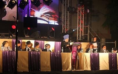 שולחן הרבניות - איחוד נדיר (צילום: מאיר אלפסי, כיכר השבת)