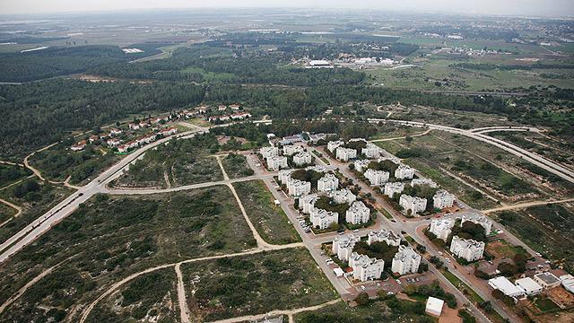 חריש. מחירי הדירות נמוכים בכ-90% מאלה שבזכרון יעקב (צילום: Lowshot.com )