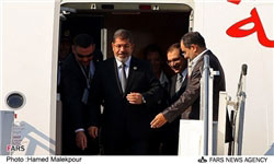 Morsi arriving in Tehran 