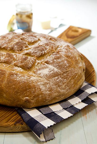לחם קל שקל להכין בבית (צילום: סטודיו דן לב)