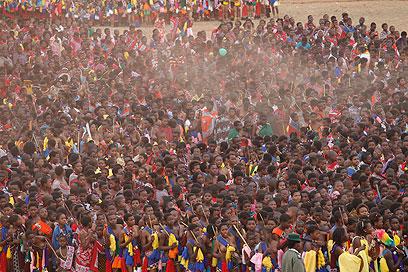ההערכות: עד 60 אלף השתתפו. סווזילנד, היום (צילום: EPA)