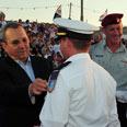 Barak with cadets Photo: Ariel Hermoni, Defense Ministry
