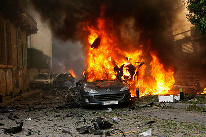 Afterman of Beirut car bombing (Photo: Reuters)