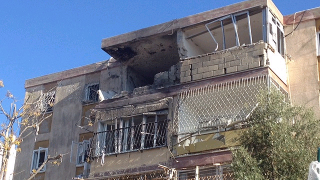 Building in Kiryat Malachi damaged in Operation Pillar of Defense (Photo: Chabad Info)