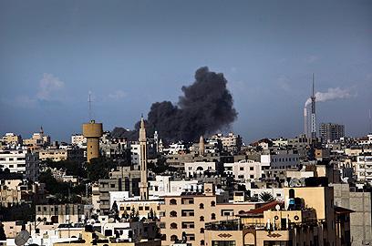 Airstrikes on Gaza Strip (Photo: EPA)
