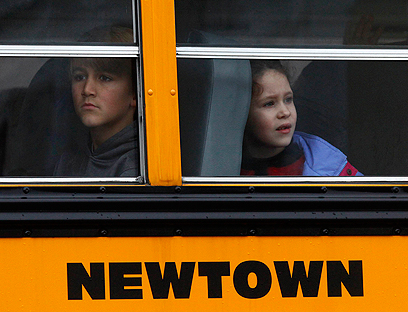 Newtown school bus days after massacre (Photo: Reuters)