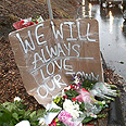 Memorial for Newtown shooting victims Photo: AFP