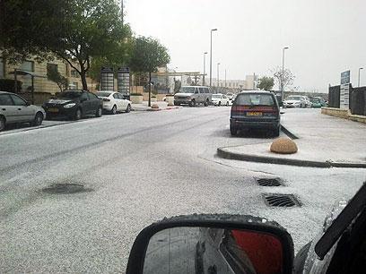 מתחילים לראות את הלבן בירושלים (צילום: אריק אבולוף)