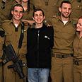 Shalit shows appreciation Photo: Sasson Tiram