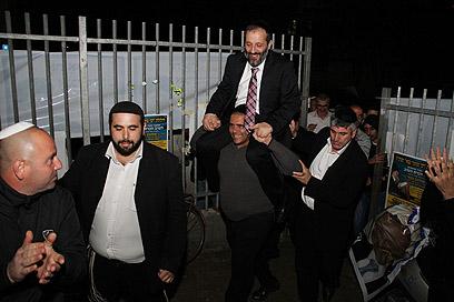 Deri at campaign event in Netanya (Photo: Yaakov Cohen)