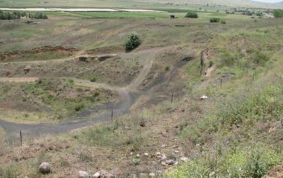 מחצבה בהר אביטל - לפני השיקום (צילום: באדיבות הקרן לשיקום מחצבות)