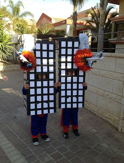 Israeli site shows photo of kids dressed as burning Twin Towers for Purim, upsets everyone 44748010100098408538no