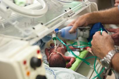 מטופלות בבית החולים אסף הרופא (צילום: בני דויטש)