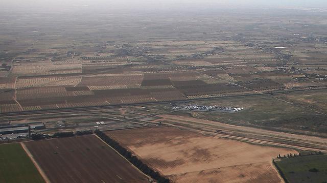 מעבר כרם שלום (ארכיון)        (צילום: Lowshot.com )