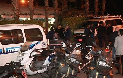 שוטרים שהשתתפו במבצע הלילי הגדול (צילום: מוטי קמחי)