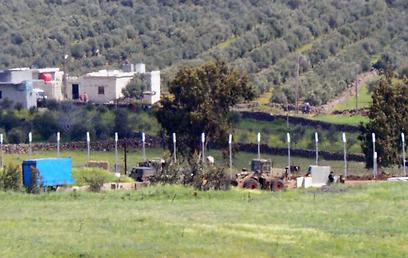 רמת הגולן הבוקר, סמוך לגבול הסורי (צילום: אביהו שפירא)