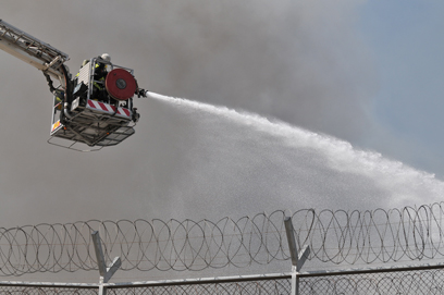 השריפה בכלא מעשיהו (צילום: ירון ברנר)