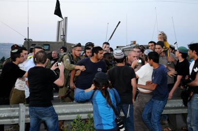 עימותים במהלך ההפגנה (צילום: גור דותן)