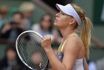 The coaches of Maria Sharapova and Serena Williams also make use of the system (Photo: AFP)