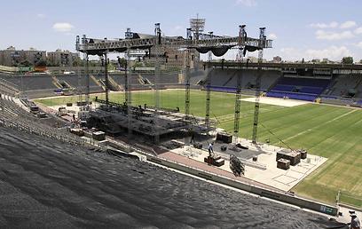 ההכנות נשלמות. איצטדיון בלומפילד הבוקר (צילומים: עידו ארז) (צילום: עידו ארז)