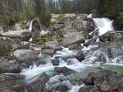 מפלי מים בהרי הטטרה בקרבת העיירה סטארי סמוקובץ' (צילום: זיו ריינשטיין) (זיו ריינשטיין)