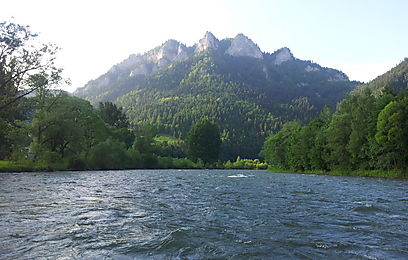 """רפטינג על גבול סלובקיה-פולין. נהר הדונאייץ' ו""""3 הכתרים"""" (צילום: זיו ריינשטיין) (זיו ריינשטיין)"""