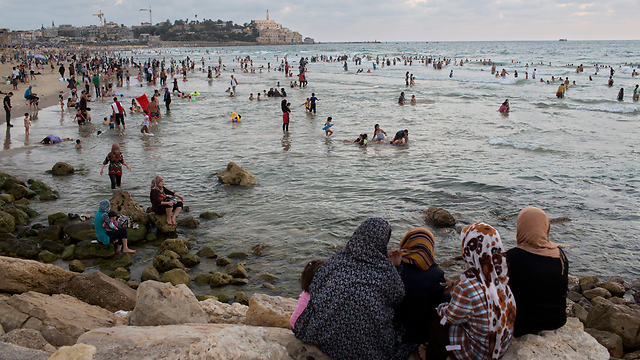 Ramadan in Tel Aviv (Photo: AP)