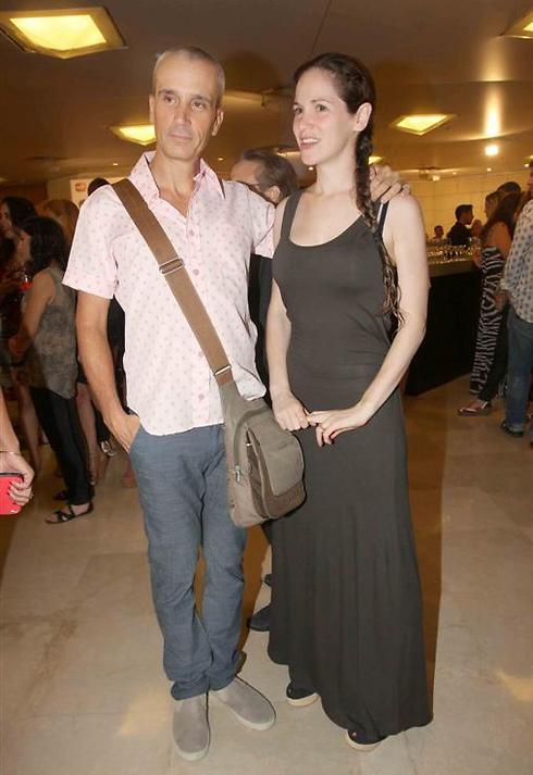 אברי גלעד ואשתו נופר (צילום: ענת מוסברג)