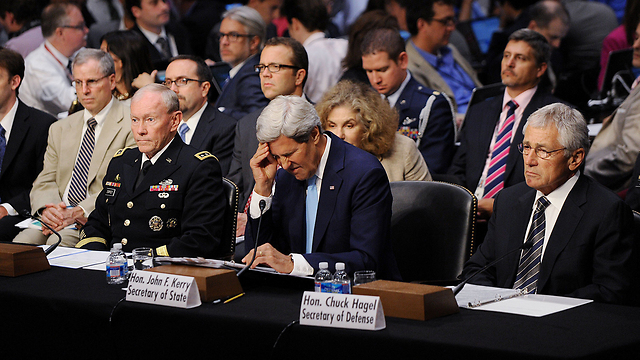 Hagel and Kerry in Senate hearing (Photo: MCT) (Photo: MCT)