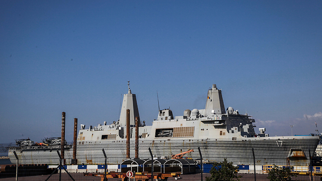 US Navy amphibious transport ship USS San Antonio docked in the Port of Haifa (Photo: Avishag Shaar-Yashuv)