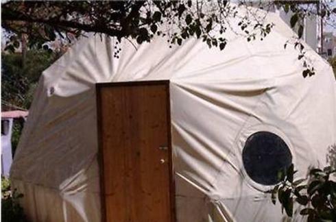 מבנה נייד בגבעתיים. לגור בכיפה (צילום: באדיבות לוח WinWin - ידיעות אחרונות)