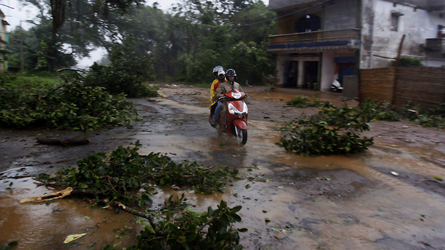 Cyclone in India (Photo: AP)
