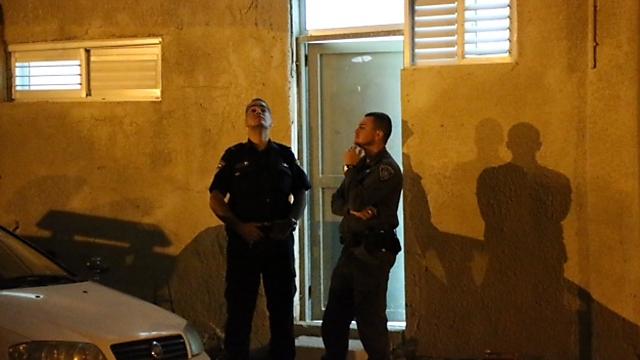 זירת הירי בלוד (צילום: מוטי קמחי)