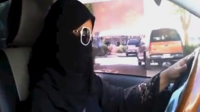 Saudi woman defying driving ban (Photo: AP)