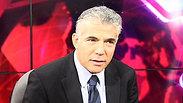 Lapid at Ynet studio Photo: Motti Kimchi