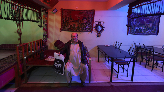 A taste of Afghanistan: Simintov's shop (Photo: Reuters)