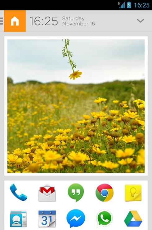 מסך הבית של אייביאייט מכיל תמונה ועשר אפליקציות קבועות, בלי קשר לספייס שאתם נמצאים בו ()