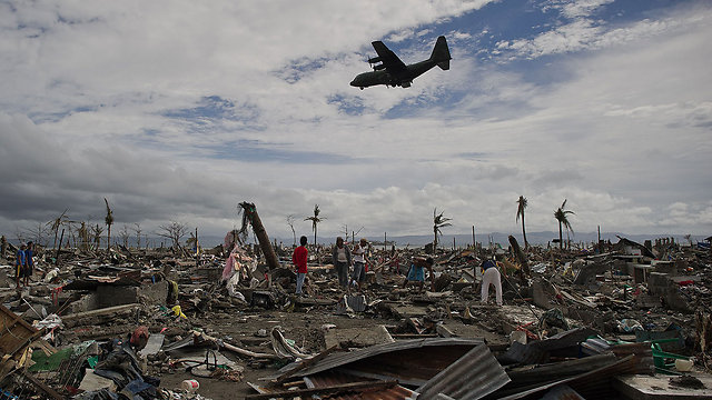 נזקי הטייפון בפיליפינים (צילום: AFP)