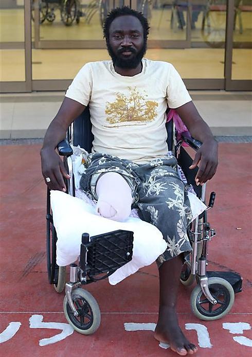 לא היה לו כסף למונית כדי להגיע לבית החולים לטיפול (צילום: אלעד גרשגורן)