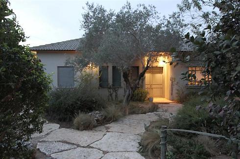 ביתו של פורטיס בבית יצחק (צילום: עידו ארז)