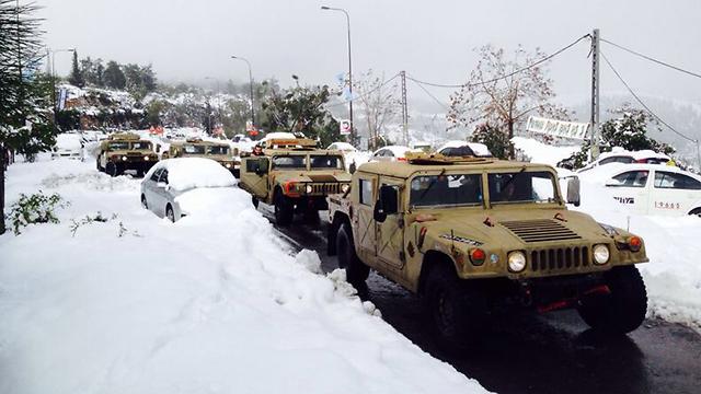 IDF humvees in Jerusalem (Photo: Nir Yogev)