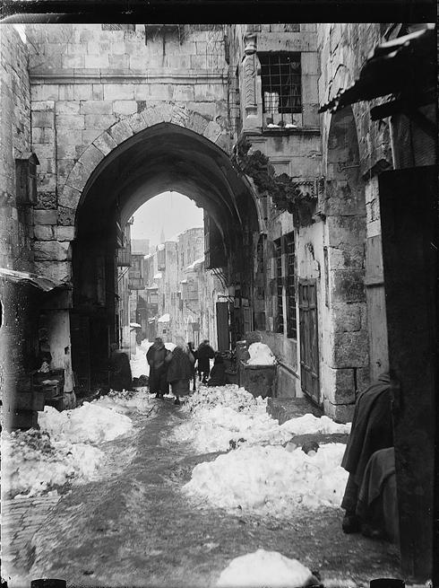 אחרי סערה בעיר העתיקה (צילום:אריק מאטסון, ארכיון הקונגרס)