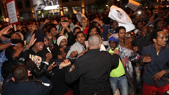 Asylum seekers protest in Tel Aviv (Photo: Ido Erez)