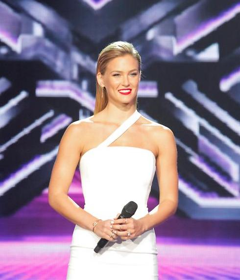 Bar Refaeli as 'X Factor' host. 'It's not as easy as it looks' (Photo: Tal Givoni)