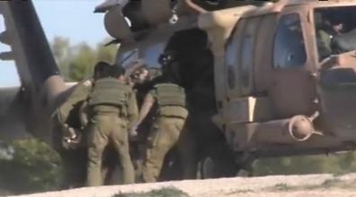 IDF evacuates man after shooting near Gaza fence (Photo: Roee Idan)