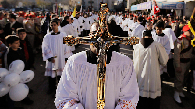Drop in number of Christians in Holy Land (Photo: Reuters)
