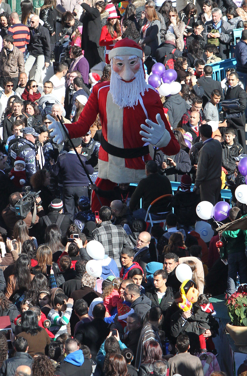 Santa Claus in Bethlehem (Photo: AFP)