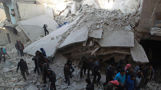 Aftermath of Syrian airforce attack in Aleppo (Photo: Reuters)